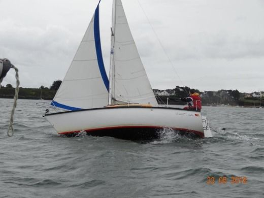 Sailboat BENETEAU FIRST 22 peer-to-peer