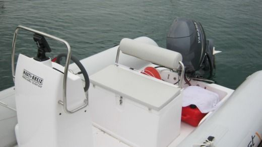 Motorboat CAPELLI 500 TEMPEST for hire