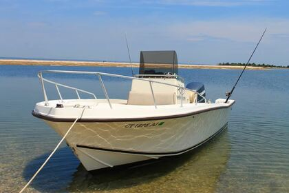 Rental Motorboat Mako Center Console Stamford