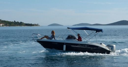 Motorboat EOLO 590 DAY for hire