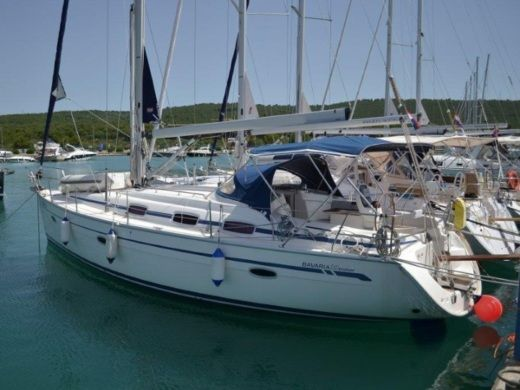 Sailboat Bavaria 39