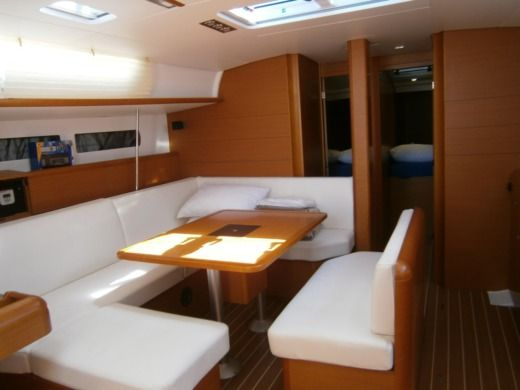 Jeanneau Sun Odyssey 469 in Athens for hire