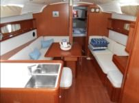 Beneteau Oceanis 37 in Lavrion for hire