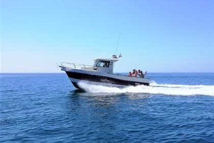 Hire Motorboat Silcar 820 Sesimbra