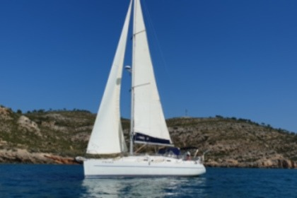 Hire Sailboat Poncin Groupe HARMONY 38 Oropesa del Mar