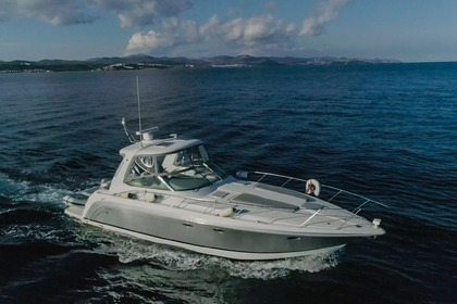 Charter Motorboat Formula 40pc Laurium