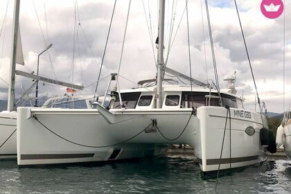 Location Catamaran Fountaine Pajot Helia 44 Punat