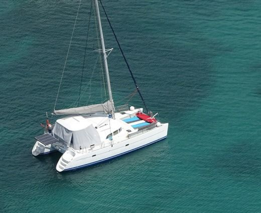 Lagoon 380 in Le Marin peer-to-peer