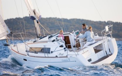 "Rental Sailboat Beneteau Oceanis 31 ""tempus"" Barcelona"
