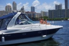 Rental motorboat in Hallandale Beach