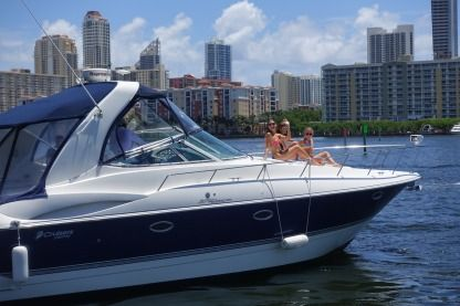 Charter Motorboat Cruisers Yacht 370 Express Hallandale Beach