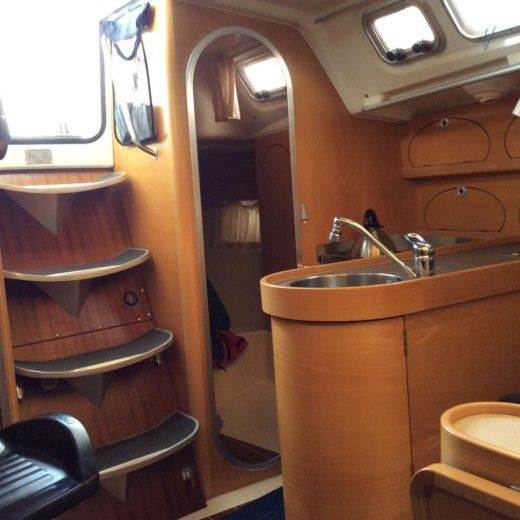 Sailboat ETAP YACHTING ETAP 32i for hire