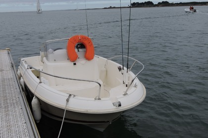 Hire Motorboat JEANNEAU Cap Camarat 505 Saint-Philibert