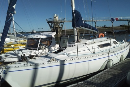 Rental Sailboat BENETEAU FIRST 29 Lorient