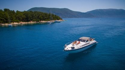 Miete Motorboot Mochi Craft - Feretti Group Caliari 45 Kefalonia