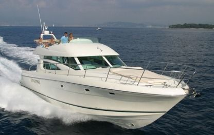 Charter Motorboat Jeanneau Prestige 46 Fly Cannigione