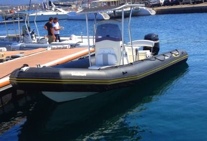Miete Motorboot Zodiac International Bombard Explorer 730Db Ajaccio