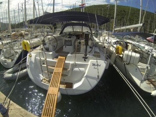 Sailboat Jeanneau JEANNEAU 53 peer-to-peer