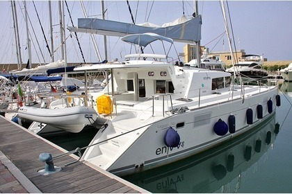 Rental Catamaran LAGOON 440 San Vincenzo