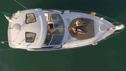 Charter Motorboat Cruiser Yachts 360 Express Albufeira