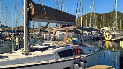 Rental Sailboat Beneteau 413 Rodney Bay