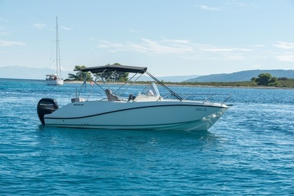 Hire Motorboat QUICKSILVER ACTIV 675 OPEN Trogir