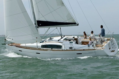 Hire Sailboat BENETEAU OCEANIS 40 Las Galletas