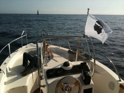 Charter Motorboat Capelli 18 Class Open 115Cv Yamaha 4T Ajaccio