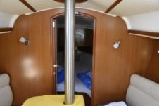 Sailboat Jeanneau Sun Odyssey 32I for rental