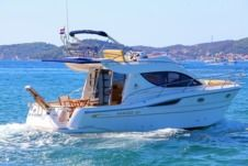 Sessa Marine Dorado 36 in Zadar for rental