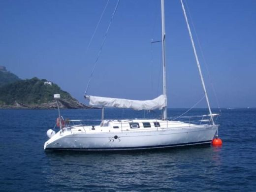 Sailboat Beneteau FIRST 35S5 for hire