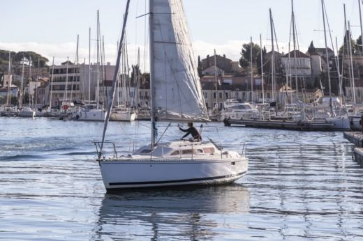 Sailboat Kirie Feeling 286Sp for hire