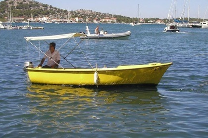 Hire Motorboat Traditional Wooden Vessel Pasara Murter