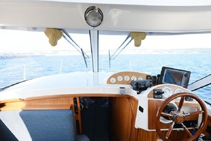 Rental Motorboat QUICKSILVER 750 Weekend Zadar