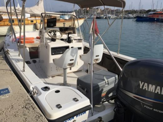 Hillsboro Marine Mako in Antibes for hire