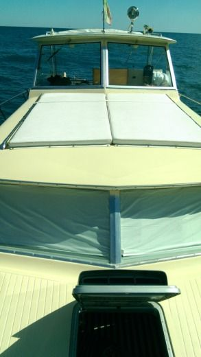 Motorboot Chris Craft Commander 31 zwischen Privatpersonen