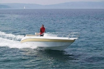 Rental Motorboat AQUAMAR PHENICUSA 650 Crikvenica