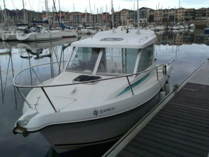Rental Motorboat Jeanneau Merry Fisher 610 Villeneuve-Loubet