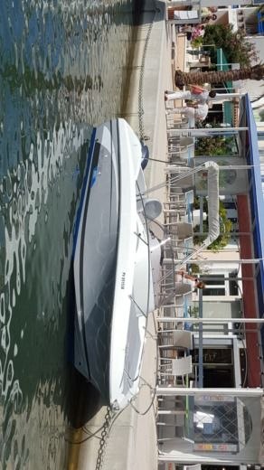 Beneteau Flyer 650 Sundeck in Toulon for hire