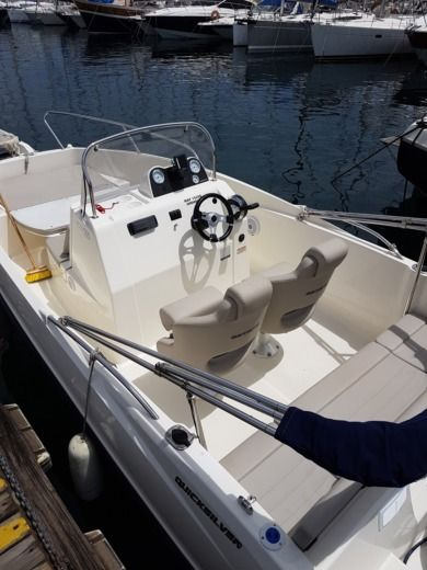QUICKSILVER 555 Open Activ in Marseille for hire