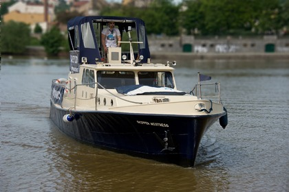 Hire Motorboat 1971 Barkasa Prague