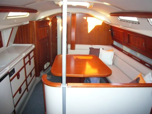 Sailboat DEHLER 36 CWS for hire