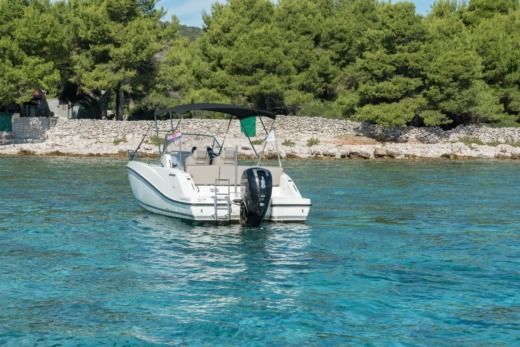 Quicksilver Activ 675 Open in Trogir for hire