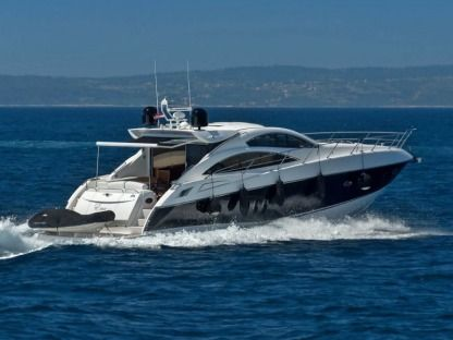 Rental Motorboat Sunseeker Predator 62 Podstrana