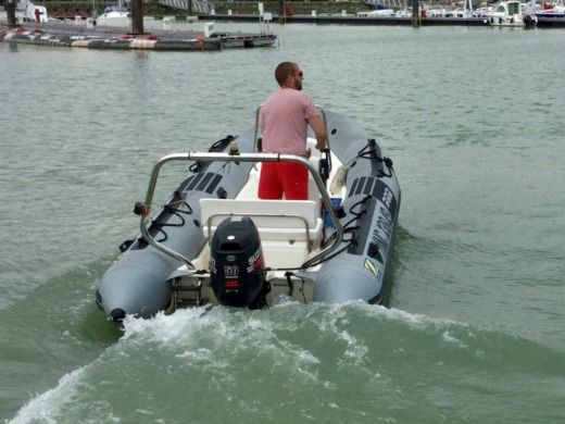 RIB Zodiac Pro 9 Man for hire