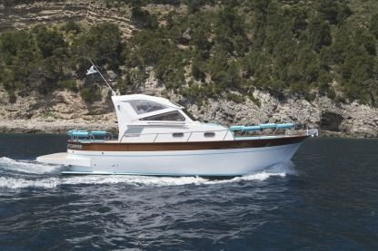 Rental Motorboat Maresca Sparviero 9M Sorrento