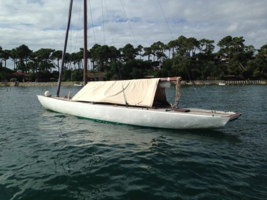 Sailboat Béziers Biot Requin for hire