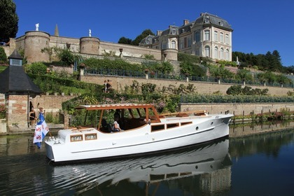 Hire Houseboat Gentleman's Yacht  Fox-And-Sons Amiens
