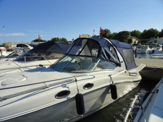 Charter motorboat in La Londe-les-Maures peer-to-peer
