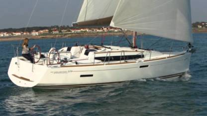 Rental Sailboat Jeanneau Sun Odyssey 379 Saint Julian's